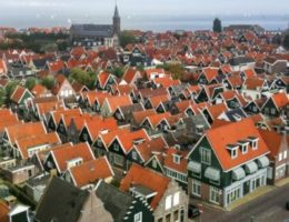 49725_fullimage_birdseye.view.of.volendam_492x307.jpg